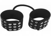 Черные силиконовые наручники с заклепками